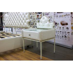 Кровать GRUPPO 396 Аргеста двуспальная, спальное место (ШхД): 160х200 см, с подъемным механизмом, обивка: экокожа, цвет белый/слоновая кость, две тумбочки, комплект