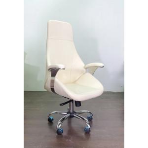 Кресло Авгур с подлокотниками на пятилучье хромированном цвет светло кремовый