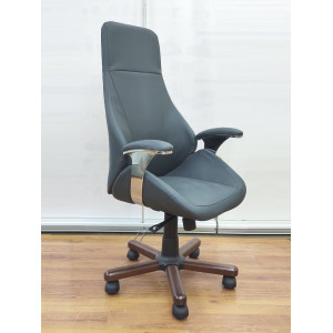 Кресло руководителя GRUPPO 396 Авгур с подлокотниками, опора пятилучье с деревянными накладками, экокожа Dollaro515, цвет серый