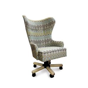 Кресло Корфур Модерн на опоре пятилучье с деревянными накладками